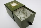 華麗方型絲帶拉盒